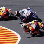 Tras la caída de Rossi, Pedrosa vence con autoridad en Italia