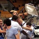 Grecia-Serbia, pelea en un amistoso de baloncesto