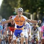 Óscar Freire vence en la Paris-Tours