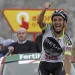 Cobo gana en el Angliru y es líder de la Vuelta
