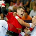 España debuta en balonmano con victoria sobre Serbia