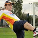 Fernando Alonso jugará a fútbol, dejando la Fórmula1