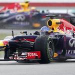 Tremenda batalla de Red Bull en Malasia, Vettel primero