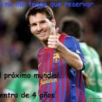 Messi mete dos goles en el primer partido de liga