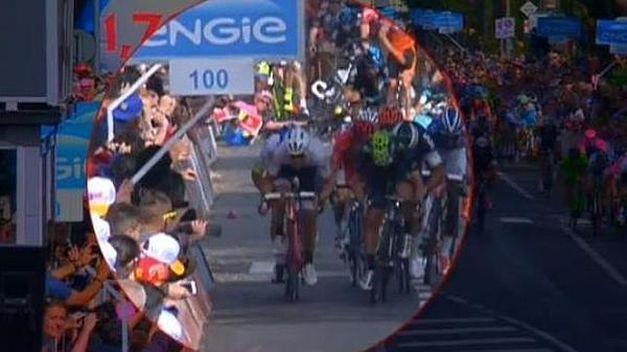 Caída de Contador en el sprint del Giro