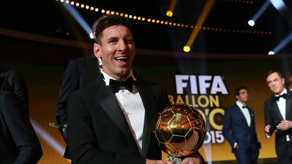 Messi gana su quinto balón