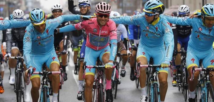 Níbali gana el Giro, Valverde en el podio