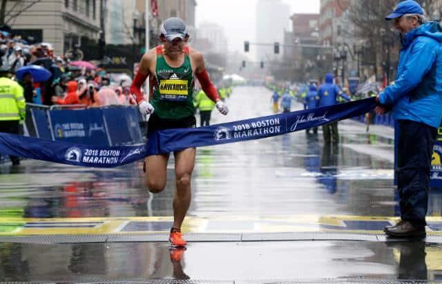 Corredor popular gana el maratón de Bostón