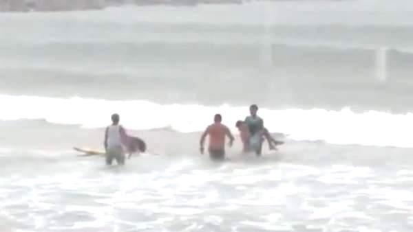 Muere por un rayo practicando surf