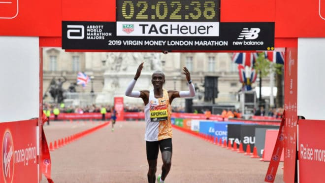 Kipchoge gana el maratón de Londres